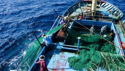 Ngược xuôi vùng biển giáp ranh bằng lợi thế 'tàu 67'